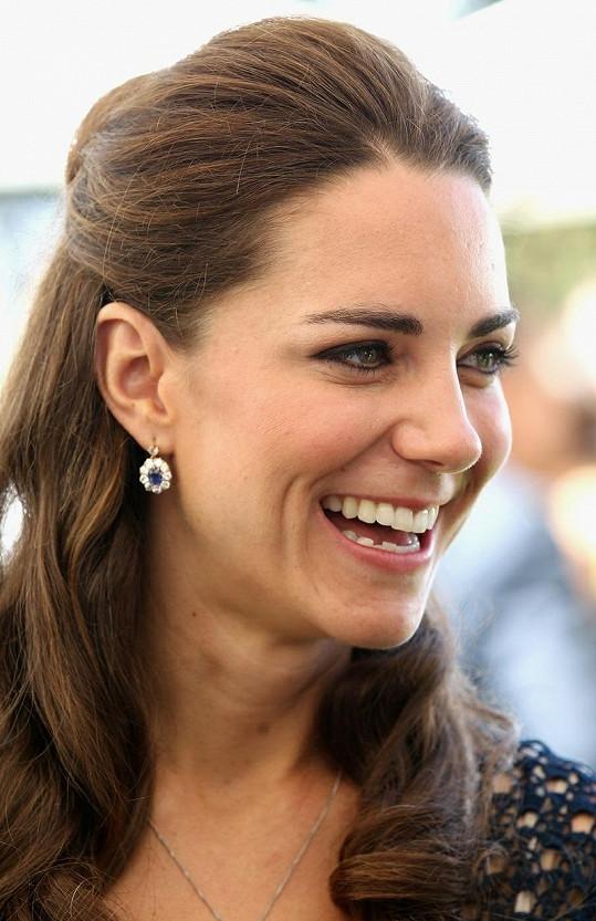 Vévodkyně Kate nosí náušnice po princezně Dianě.