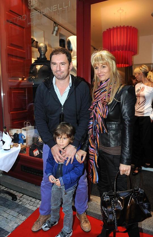 Emanuel Ridi s manželkou Janou a synem Giacomem prožívají těžké chvíle.