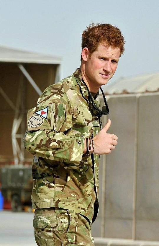 Princ Harry na základně v Afghánistánu.