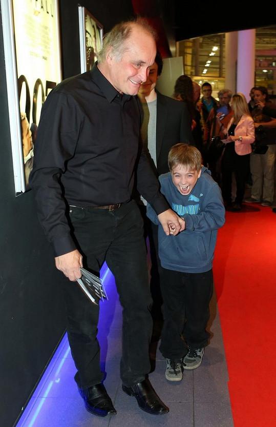 Michael Kocáb s vnukem.