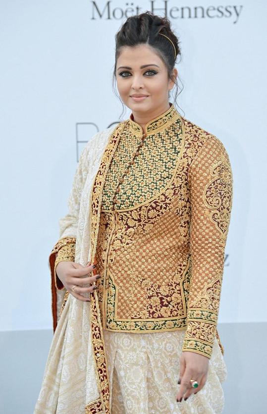 Aishwarya Rai Bachchan v Cannes.