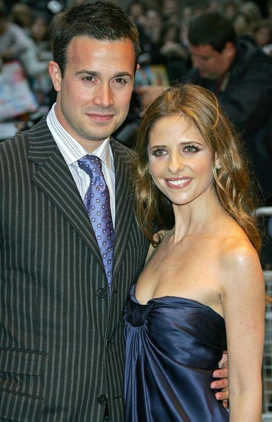 Sarah s manželem Freddiem.