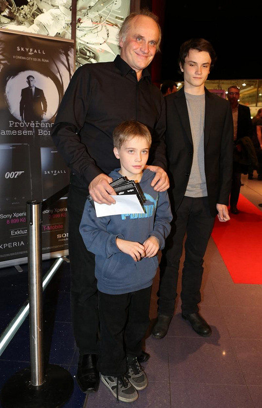 Michael Kocáb se synem Michaelem a vnukem Vincentem.