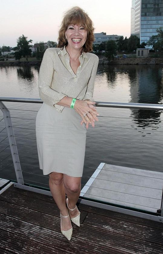 Michaela Dolinová zvolila zlatavý outfit.