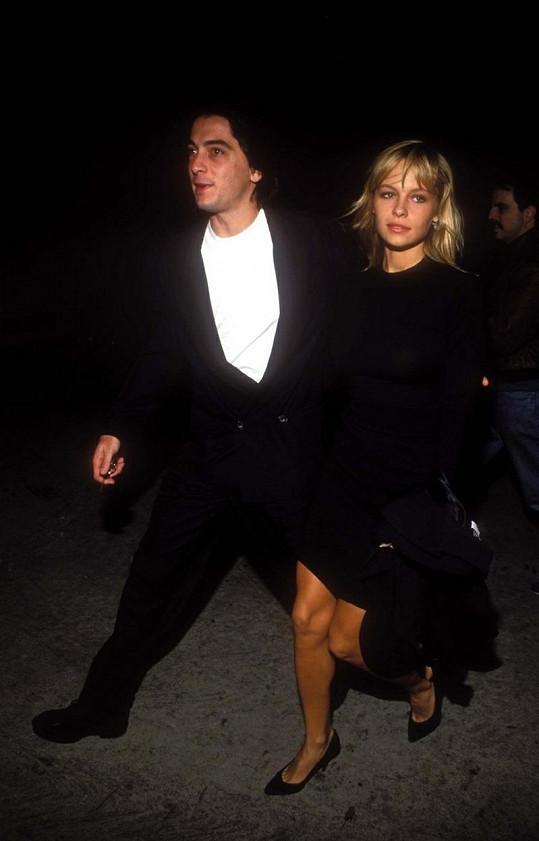Pamela Anderson a Scott Baio.