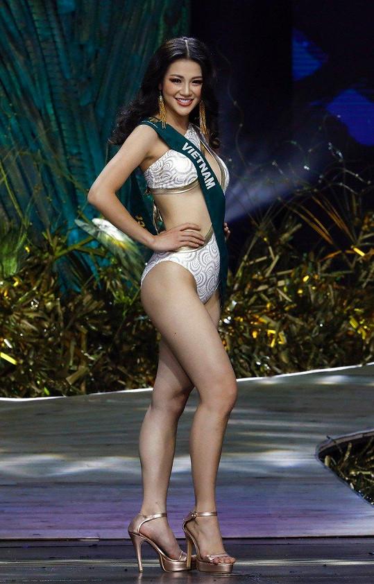 Na Miss Earth je možné vidět dívky i v plavkách.