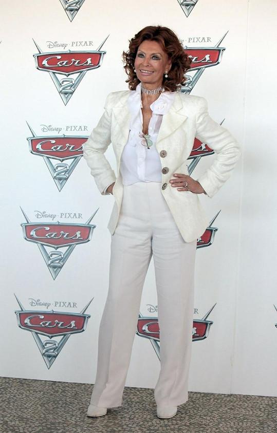 Sophia na premiéře filmu Auta 2.
