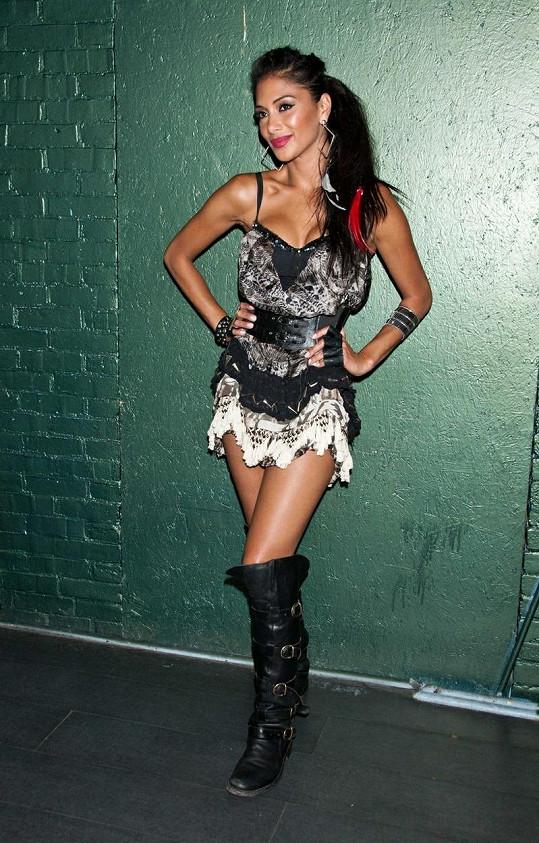 Nicole Scherzinger v baru Bamboo.