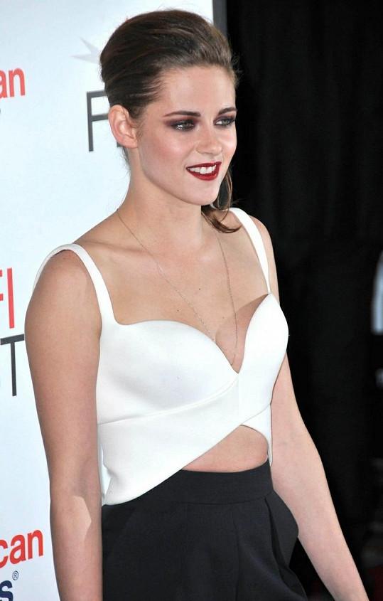 Herečka se zúčastnila festivalu AFI FEST 2012, na němž se promítal i snímek On the Road.