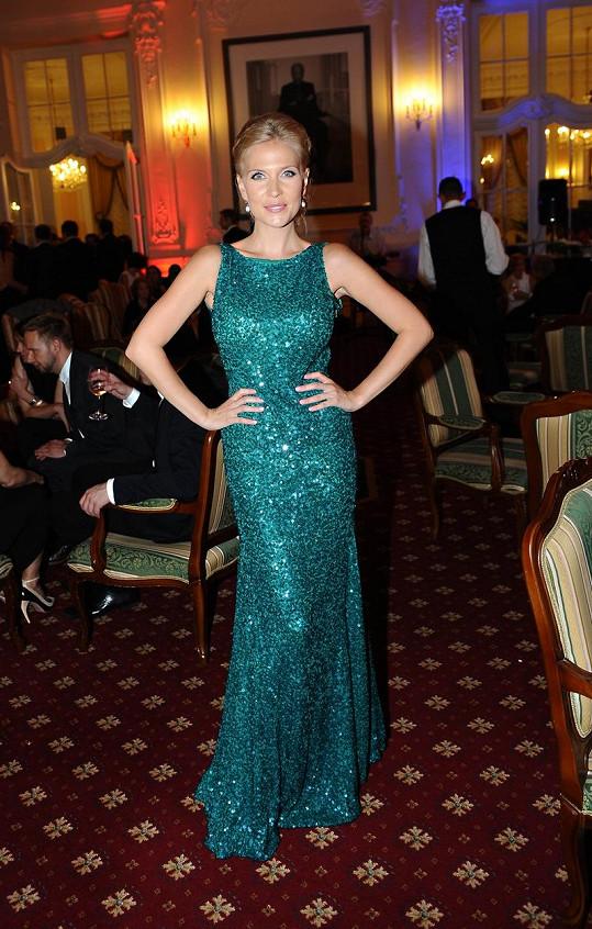 Michaela Ochotská si šaty Bluemarine půjčila.