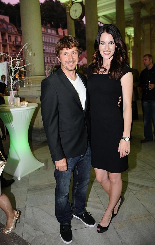 Lucie s manželem Davidem Křížkem, kterému jako by z oka vypadl jeho syn Davídek.