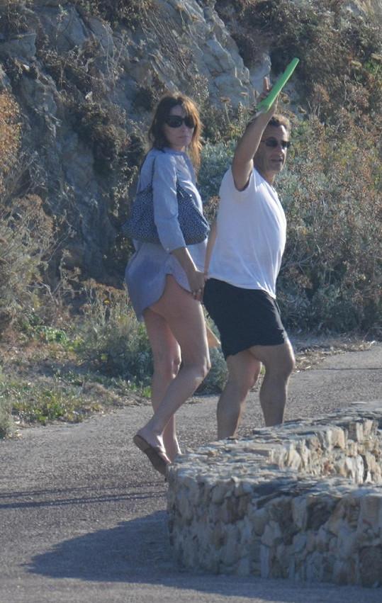 Carla Bruni a Nicolas Sarkozy na dovolené.