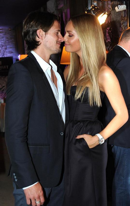 Taťána Kuchařová s přítelem Lanem Carlsonem se stále milují.