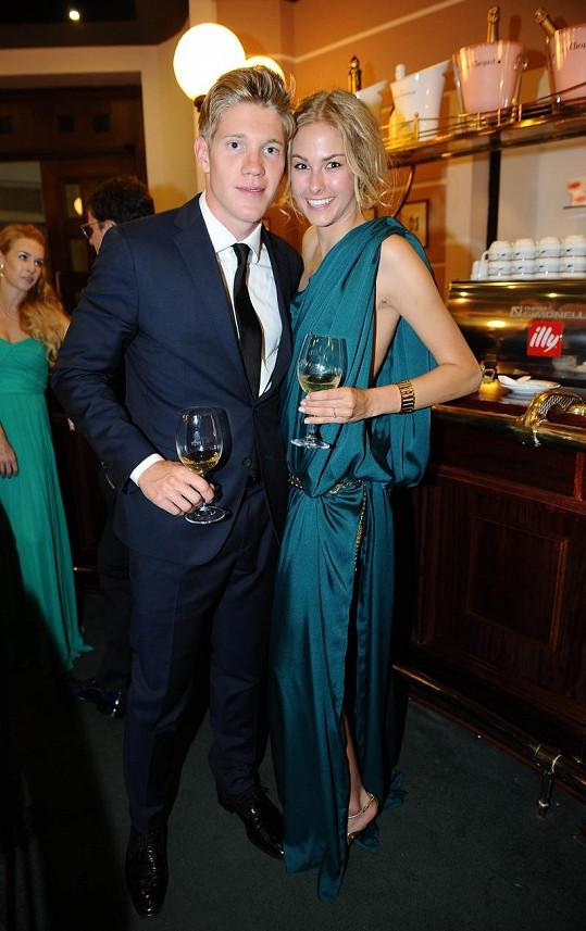Tomáš Topolánek s přítelkyní Simonou.