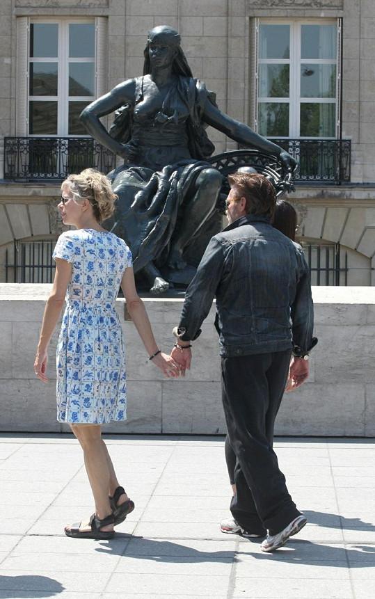 Meg Ryan a John Mellancamp na romantické procházce Paříží.