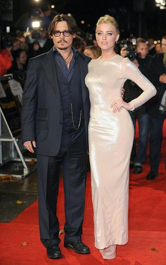 Amber Heard s Johnny Deppem spolu hráli ve filmu Rumový deník.