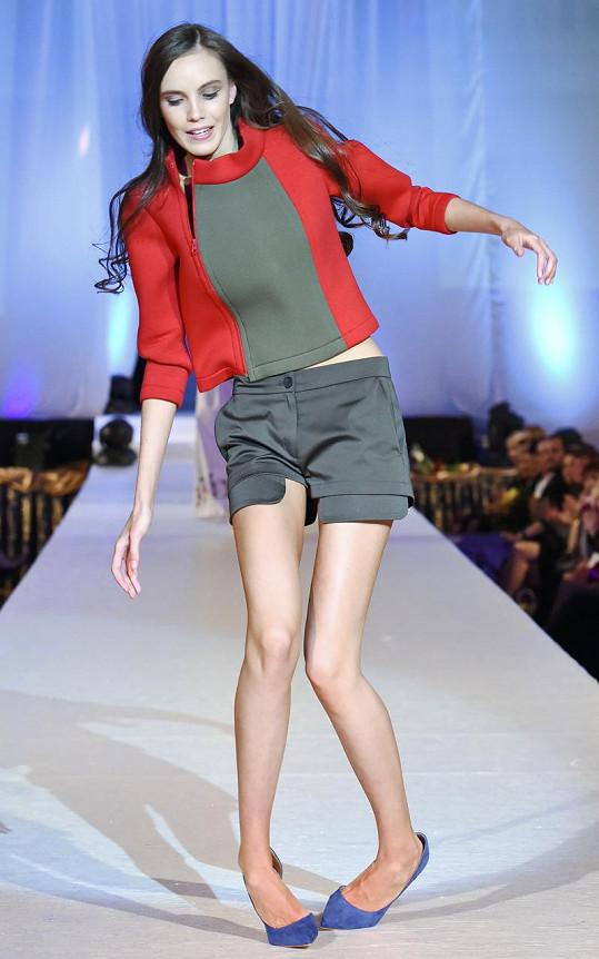 Modelka Lucie Kiripolská doplatila na vysoké podpatky.