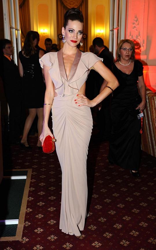 Andrea Verešová na zahajovací párty.