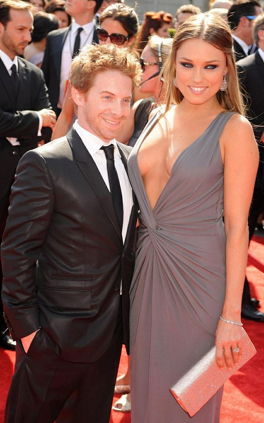 Seth Green s manželkou Clare Grant.