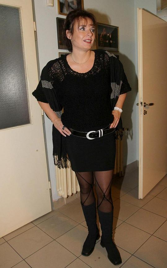 Bára Munzarová si oblékla mini.