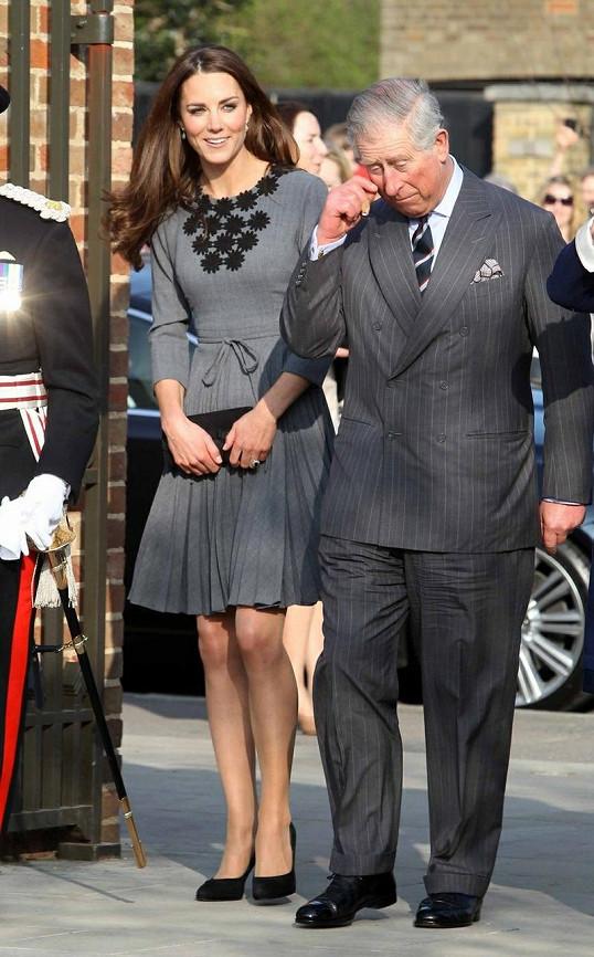 Vévodkyně Kate a princ Charles během svých cest k příležitosti 60. výročí vladaření královny Alžběty II.