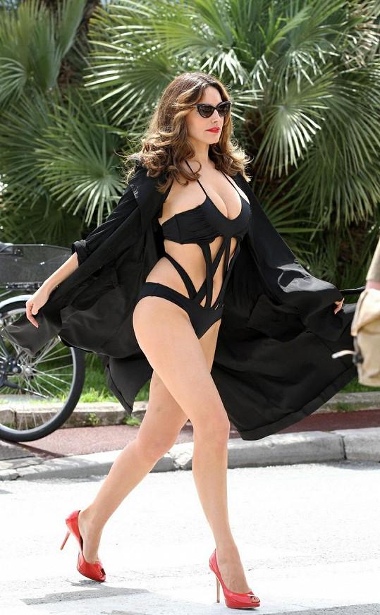 Kelly Brook patří mezi nejsvůdnější herečky a modelky současnosti.