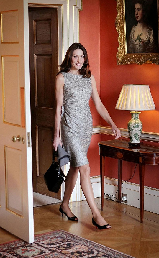 Carla Bruni se stala nejlépe oblékanou ženou roku.