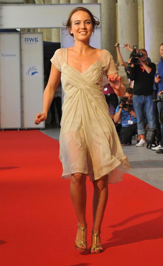 Tereza Voříšková hodně máchala na přehlídce rukama.