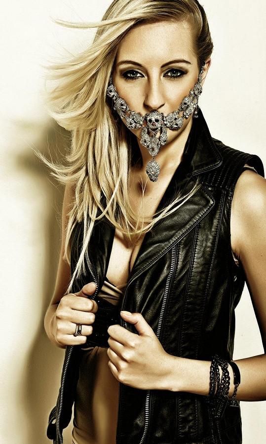 Zpěvačka Mista ráda provokuje stejně jako slavná Lady Gaga.