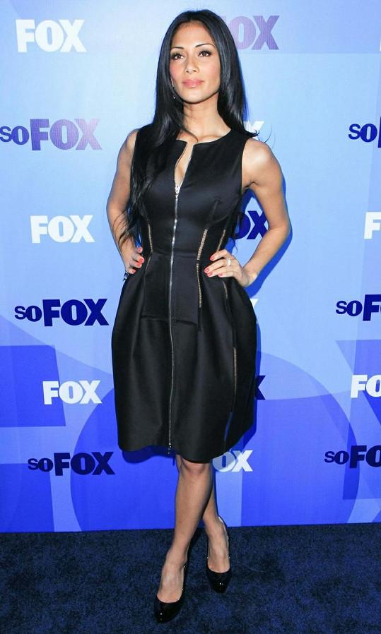Televizní stanice Fox obsadila Nicole nakonec do role jedné z porotkyň, ačkoli původně měla pořad jen spoluuvádět.