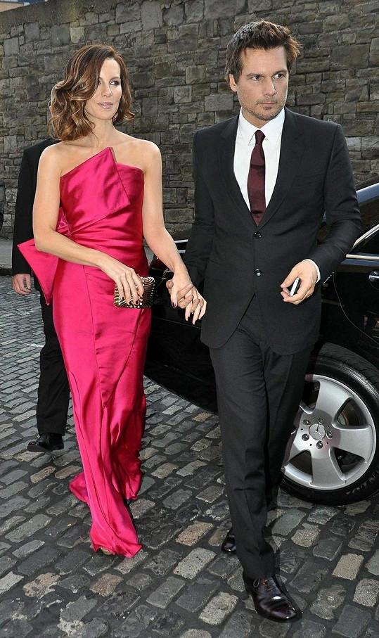 Kate Beckinsale s manželem Lenem Wisemanem.