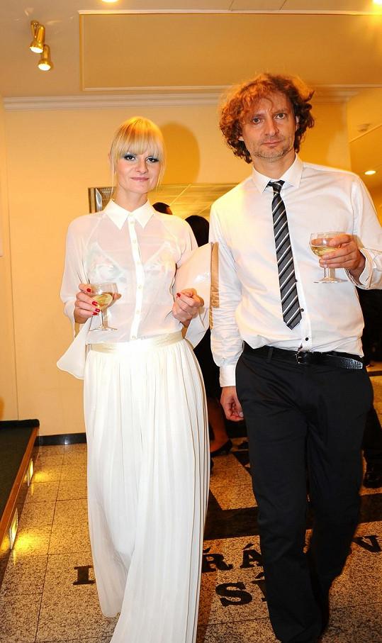 Iva Pazderková s přítelem.