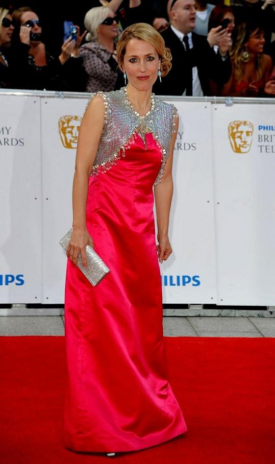 Gillian Anderson dnes vypadá fantasticky.