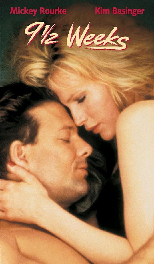 Kim Basinger a Mickey Rourke ve filmu 9 a půl týdne.