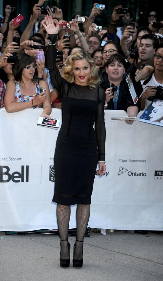 Příště by si Madonna mohla boty lépe zkontrolovat.