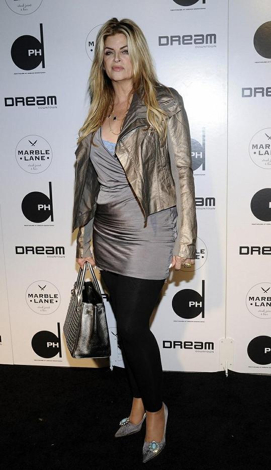 Kirstie má smysl pro módu.