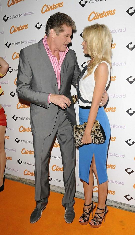 David Hasselhoff a Hayley Roberts v Londýně