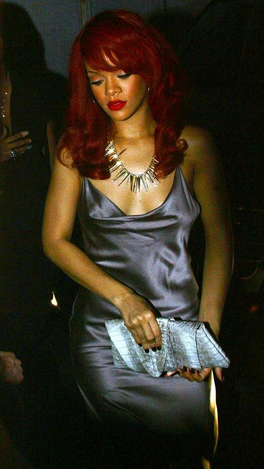 Rihanna na nedělním udílení BET Awards.