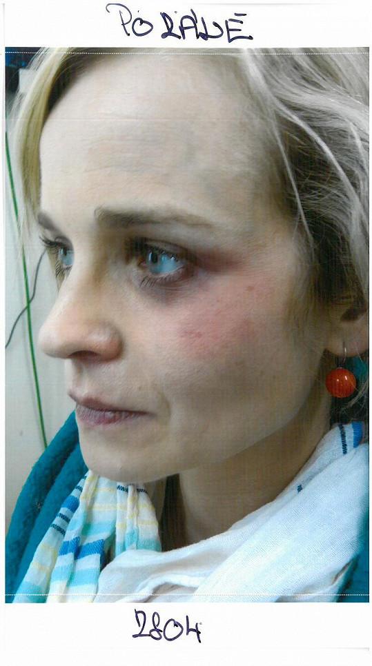 Takto vypadala Kristýna Kociánová první den, když se na ní vyřádili v maskérně.