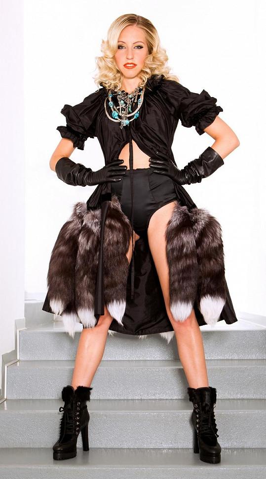 Atraktivní zpěvačka Mista sbírá jeden úspěch za druhým a boduje i v zahraničí.