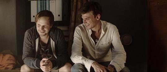 Kryštof Hádek a Vojta Dyk si ve filmu Signál zahráli hlavní role.