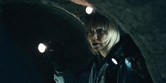Lucie Vondráčková v podzemí.
