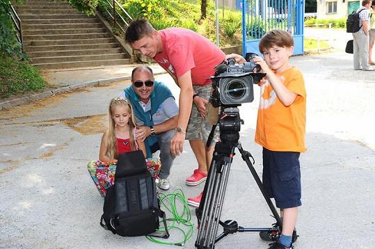 Klip s Michalem, Filipem a Amélií režiroval Améliin tatínek Vítek Pokorný.