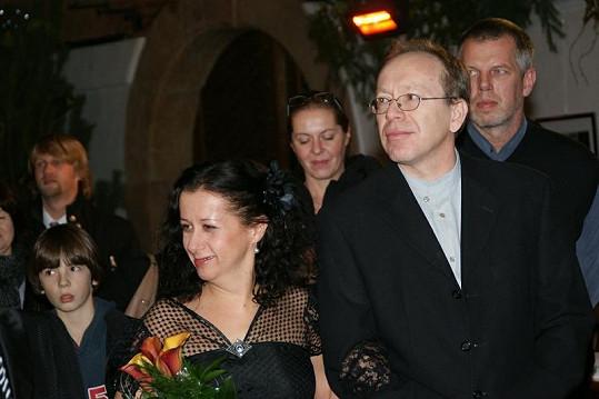 Šťastní novomanželé Kozákovi.