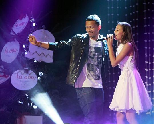 Monika a Ben zazpívali duet.