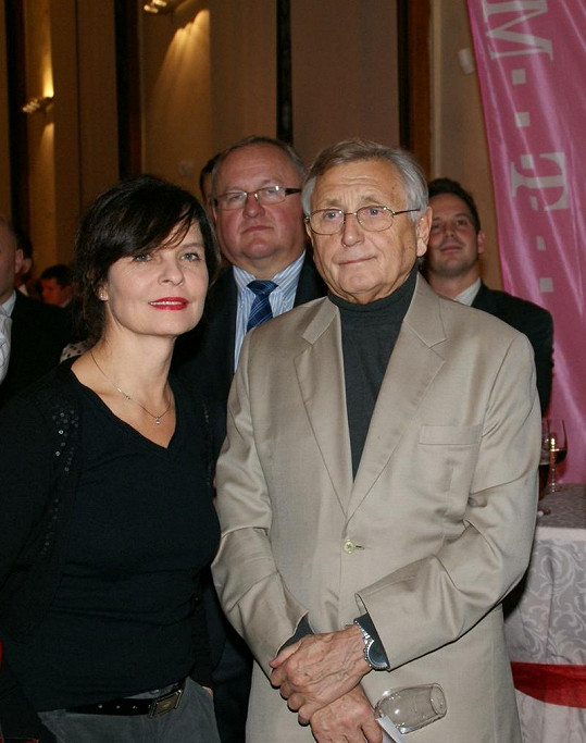 Jiří Menzel trávil večer s Janou Krausovou.