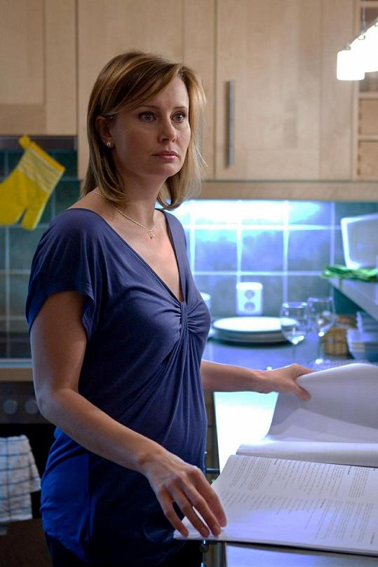 Jitka Schneiderová se soustředí na svou roli.