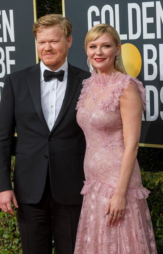 Kirsten Dunst a Jesse Plemons na udílení Zlatých glóbů