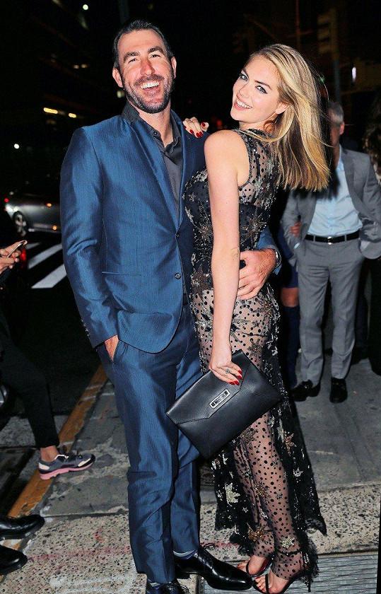 Kate Upton se v sobotu provdala za Justina Verlandera