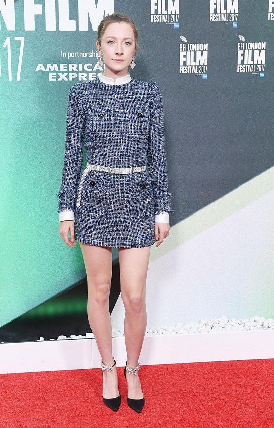 Saoirse Ronan ukázala štíhlé nožky.